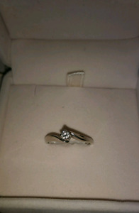 10K White Gold Engagement or Promise Ring