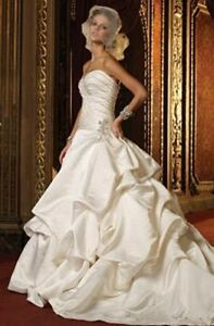 Eve of Milady Ivory Strapless Ball Gown & Veil