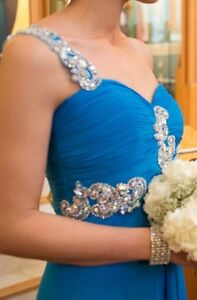 One shoulder evening gown / prom dress