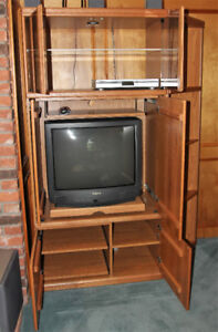 Palliser Entertainment Centre -excellent condition