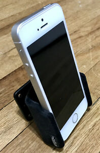 iPhone SE 64GB Silver, unlocked with AppleCare+ London Ontario image 7