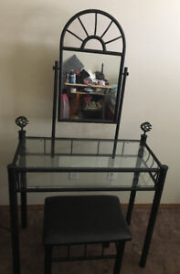Make up mirror with table and chair in good condition