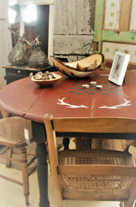 ANTIQUE ROUND TABLE, CHAIRS, REFINISHED, COUNTRY FARMHOUSE STYLE