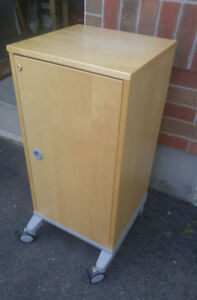 Solid Wood Media Unit or Cabinet.  Exc Cond
