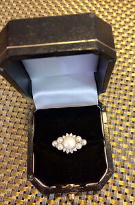 Pearl & Diamond 14 kt gold ring