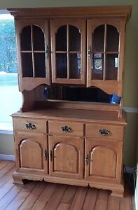 Roxton Buffet and Hutch