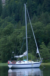 Cal 30 ft sailboat