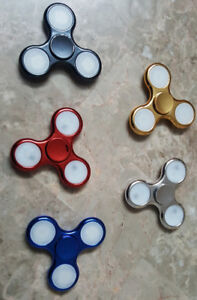 Fidget Spinners - with Multi-Coloured Flashing LED Lights!