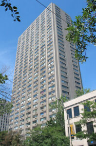 May 01 Downtown Ryerson Huge Living Room for Rent $700.00