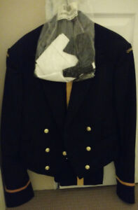 $525 · Immaculate Navy Mess Kit (Officer, A/SLt)