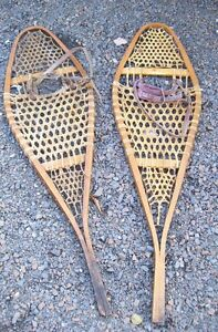 yet another pair  of solid old Canadian Snowshoes  - Medium size