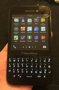 Blackberry Q5 UNLOCK