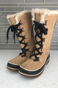 Sorel Tivoli High boots size 5 woman or size 3 youth