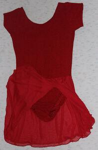 Short-sleeved red skating dress for a teenager Kitchener / Waterloo Kitchener Area image 1