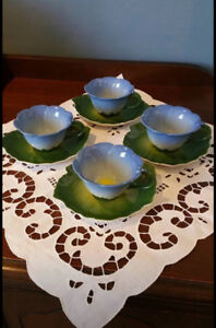 Tulip Cup and Saucer set of 4.