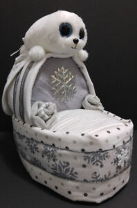 Icy Seal Bassinet diaper cake