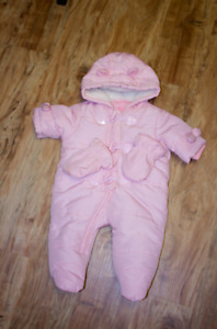 Girl Snow suit 0-3 months (used twice only)