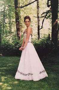 Beautiful Black & White Wedding / Grad / Prom Dress