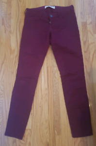 Size 3 holister jeggings/jeans