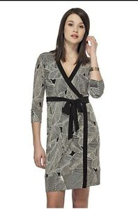 Brand New with Tag Tristian Leaf Print Wrap Dress. Small