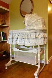 Bassinet with Remote