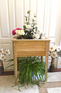 Raised Garden Planter Box, Handcrafted NEW  (TEXT/CALL Pls)