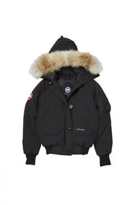 WOMEN'S BLACK BOMBER CANADA GOOSE FOR SALE West Island Greater Montréal image 3