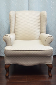 Beautiful  Queen Anne Chair