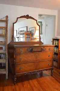 Absolutely Gorgeous Antique Dresser w Mirror