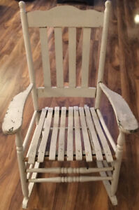 OLD DECORATIVE WOODEN ROCKING CHAIR