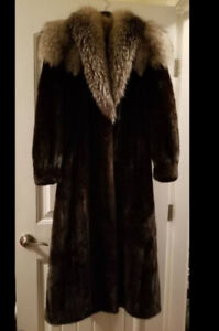 *ONE OF A KIND* Designer BLK Mink W/ Silver Fox (Of the finest)