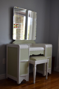 Adorable Vintage Dresser w Mirror and Matching Stool