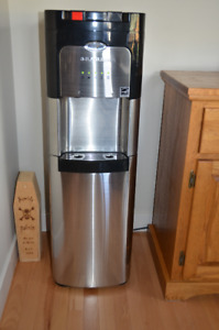 Whirlpool Self Cleaning Stainless Steel Bottom Load Water Cooler