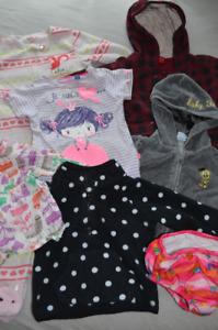 Grand lot de vêtements pour fille (grandeurs 2 et 3 ans)