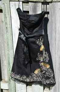 RW & Co Black Strapless Formal Dress with Embroidery