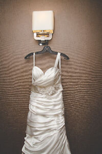 Wedding Dress - Size 6 - Dry Cleaned