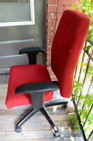 400$ Ergonomic Chair selling it for 50$ (nego)