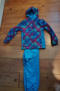Ensemble printemps/automne  fille- manteau et pantalon 6T+bottes
