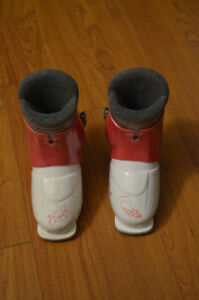 Great Condition Girls Ski Boots, Size 17.5