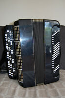 Button accordion Bayan with case 120 Base, needs some tuning