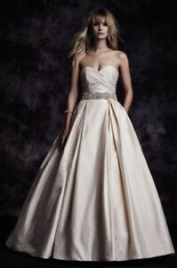 Paloma Blanca Wedding dress belt and veil