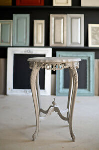 Table ronde d'appoint - round side table - antique - chalk paint