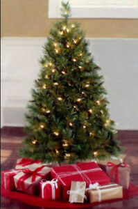 4 FT PRE-LIT CHRISTMAS TREE / INDIANA SPRUCE - clear lights New