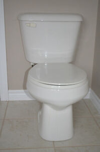 White Used 2-Piece Mansfield Toilet