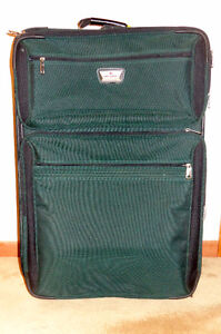 """28"""" Rolling Suitcase"""