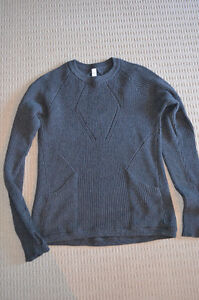 Lululemon Sweater the Better - Size 8