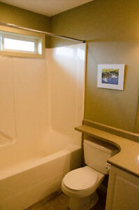 NEWER - 3 BD - TOWNHOUSE - NEAR RUTH MASTERS PARK Comox / Courtenay / Cumberland Comox Valley Area image 6