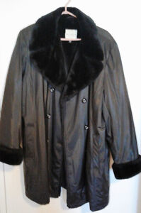 Ladies Winter Jacket Size XL (18)