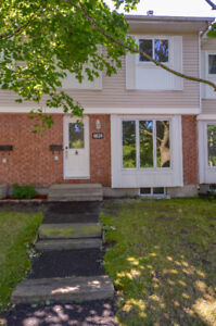 3 Bedroom Townhouse - Orleans