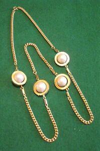 Chaîne dorée 4 perles.